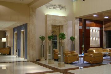 CROWN PIAST HOTEL & SPA Krakau
